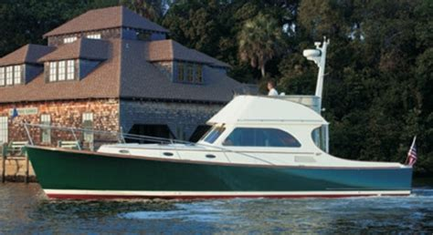 Hinckley Yachts Talaria 44 (2010-) Captain's Report | BoatTEST